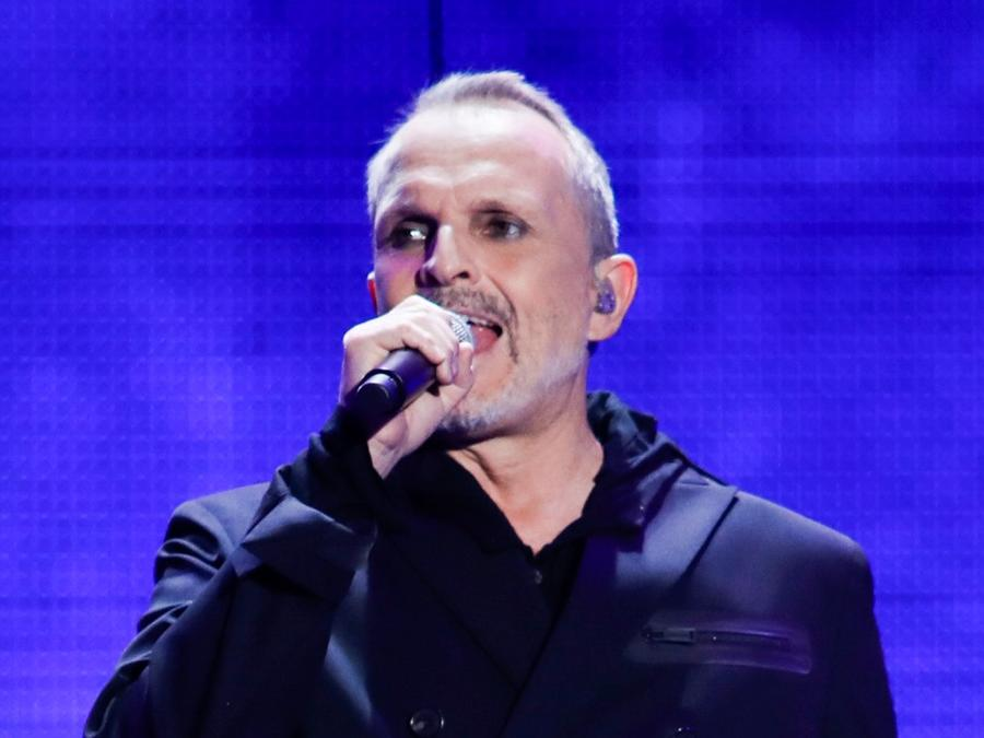 Miguel Bose performs on stage during the 2017 Premios Tu Mundo