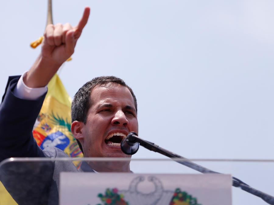 El presidente encargado de Venezuela, Juan Guaidó, hoy en concentración en el estado de Carabobo