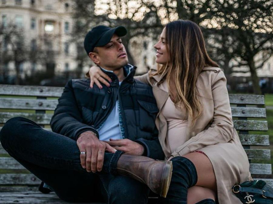 Javier Hernández y Sarah Kohan