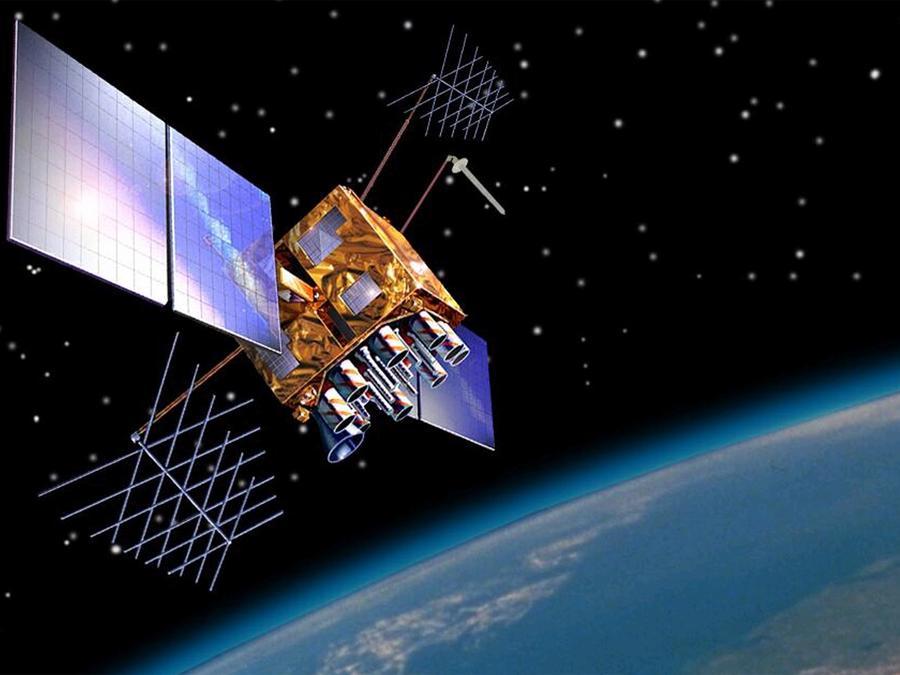 Un satélite del Bloque IIR (M), uno de los 24 satélites GPS supervisados por la Fuerza Aérea.GPS.gov