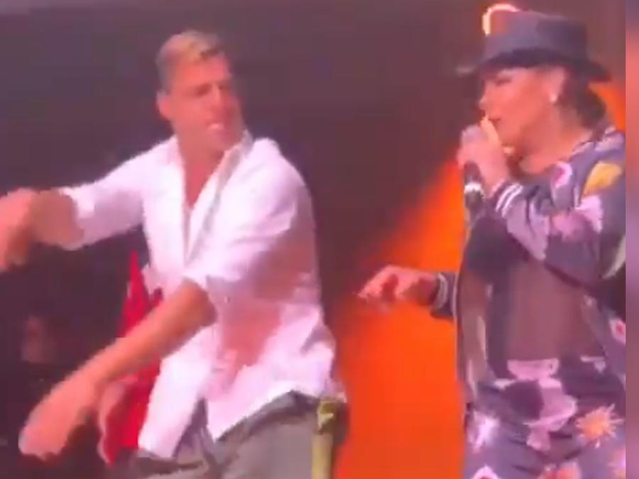 Ricky Martin y Olga Tañón bailando en Puerto Rico