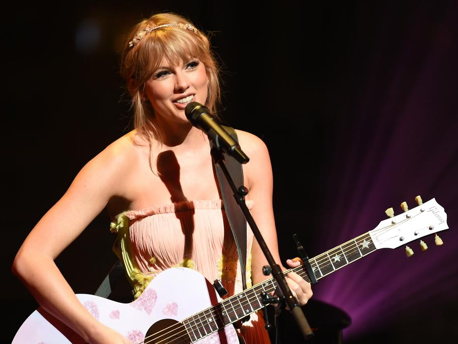 Taylor Swift to open 2019 Billboard Music Awards