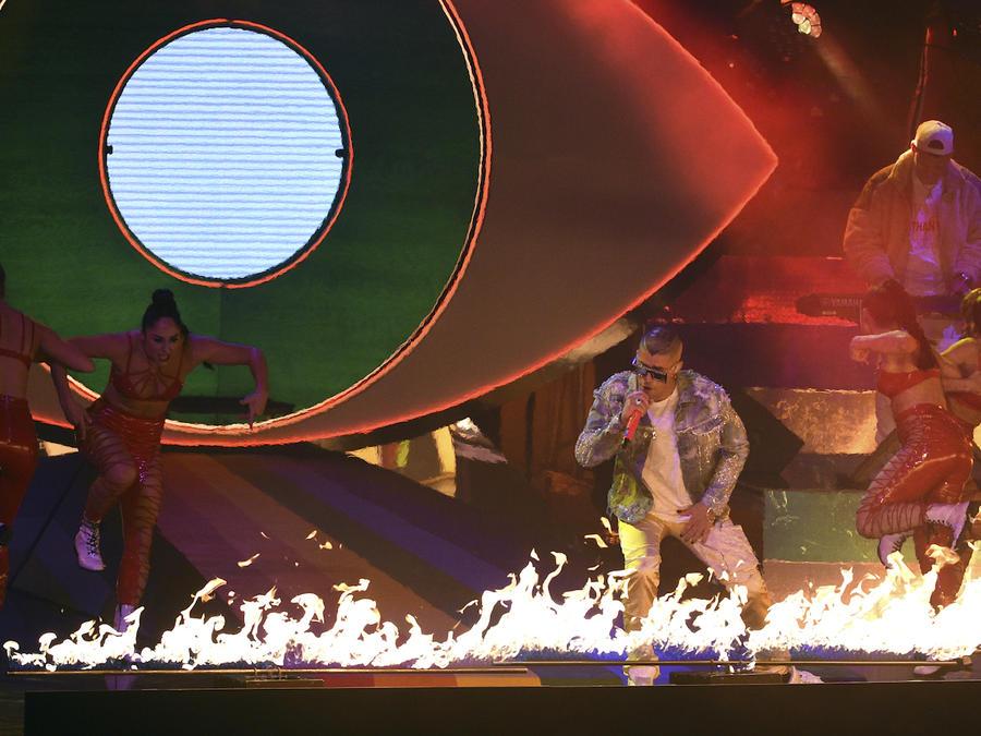Actuación de Bad Bunny en los premios Grammy Latinos en noviembre de 2018 en Las Vegas.