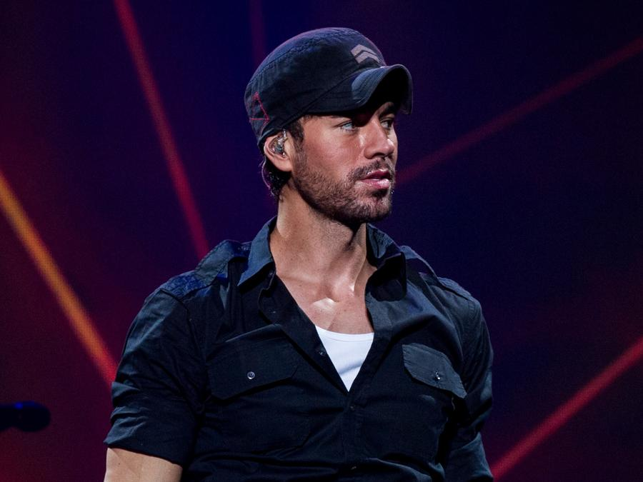Enrique Iglesias at concert