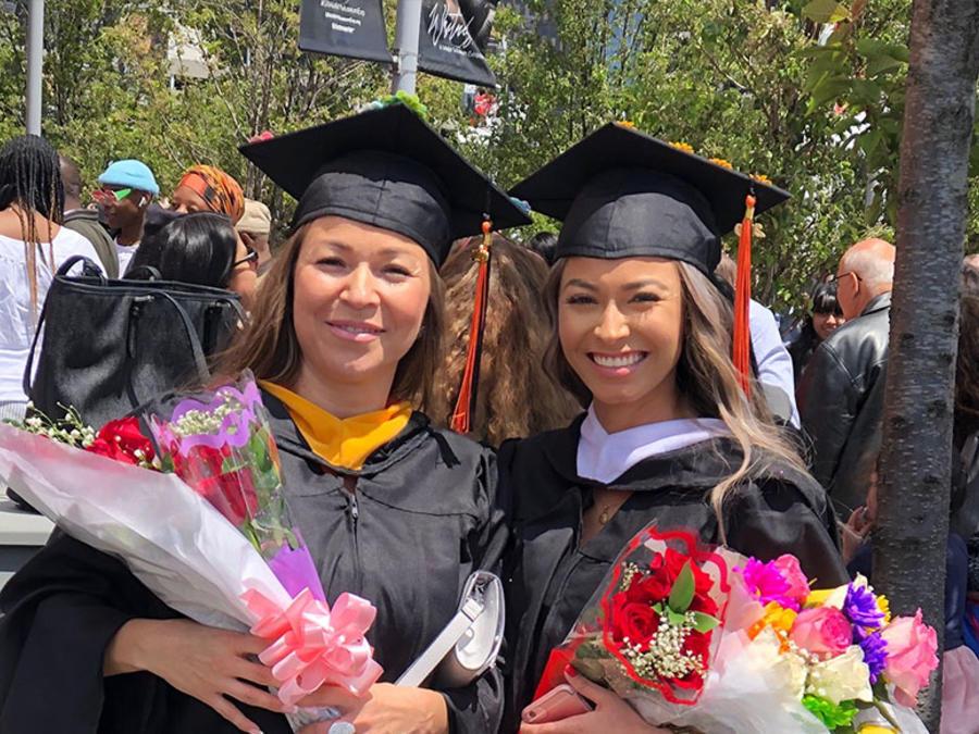 La familia Murillo en su graduación