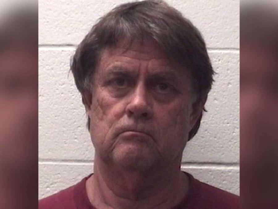 Sherman Shirley Fricks fue arrestado en, Deer Park, Houston