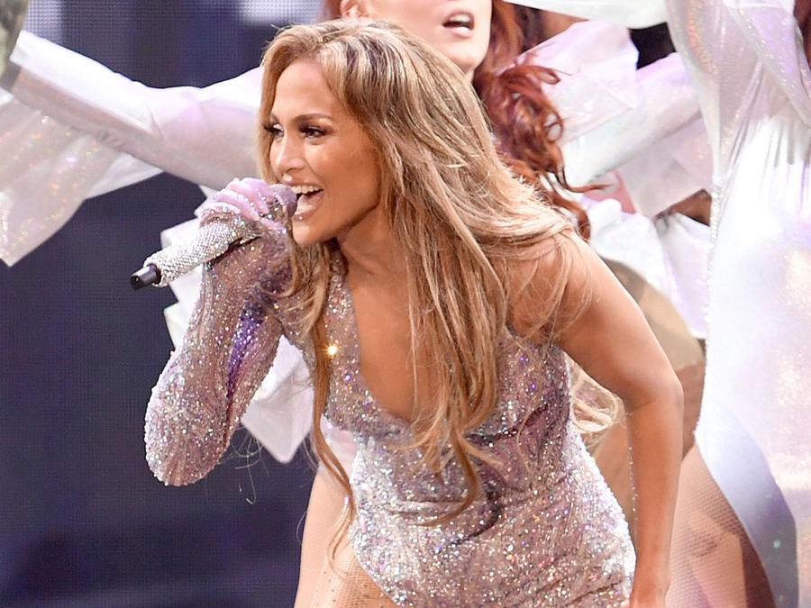 Jennifer Lopez en el primer concierto de su gira en California, 2019