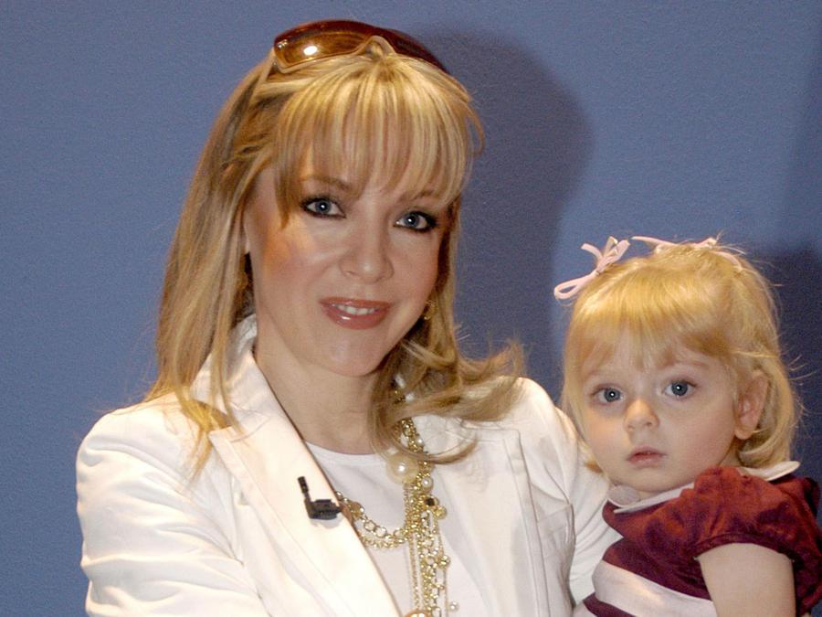 Edith González, madre de Constanza. su hija de casi 2 años/México, 2006.