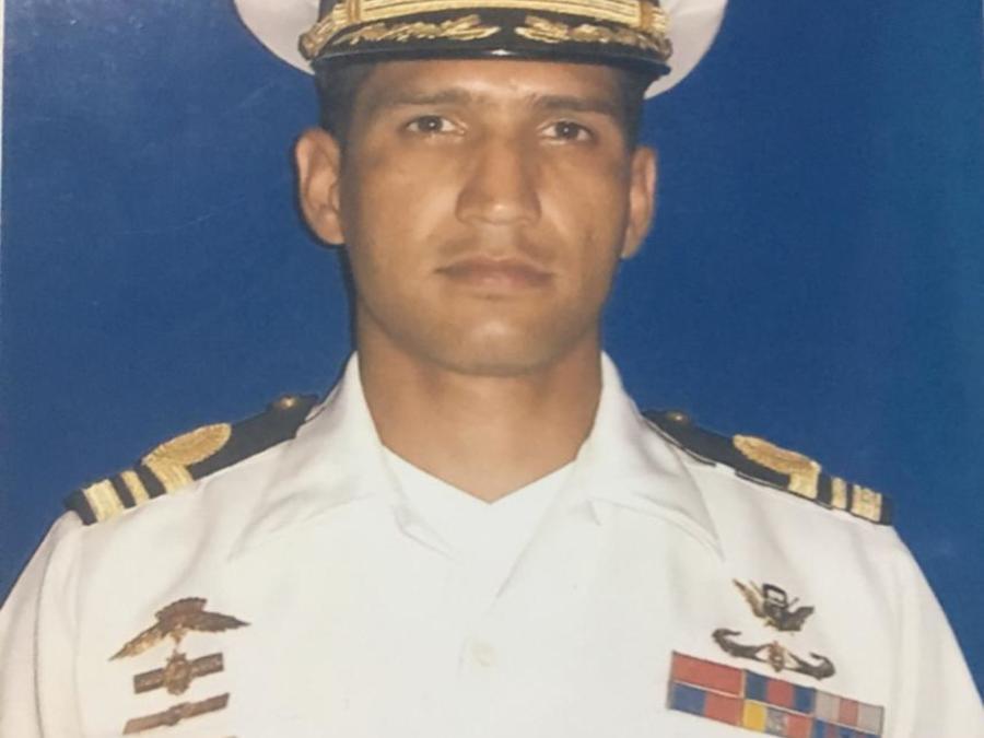 El capitán de corbeta Rafael Acosta Arévalo en una foto de archivo.