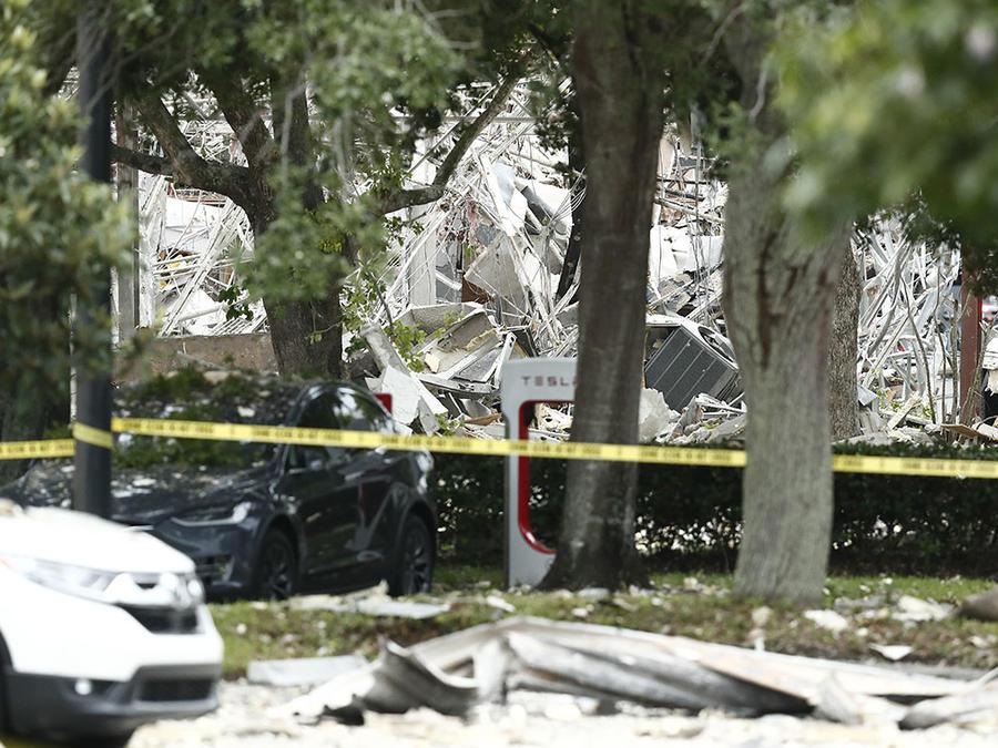 Imagen del centro comercial Fountains Plaza, en Plantation, dañado por una explosión de gas.
