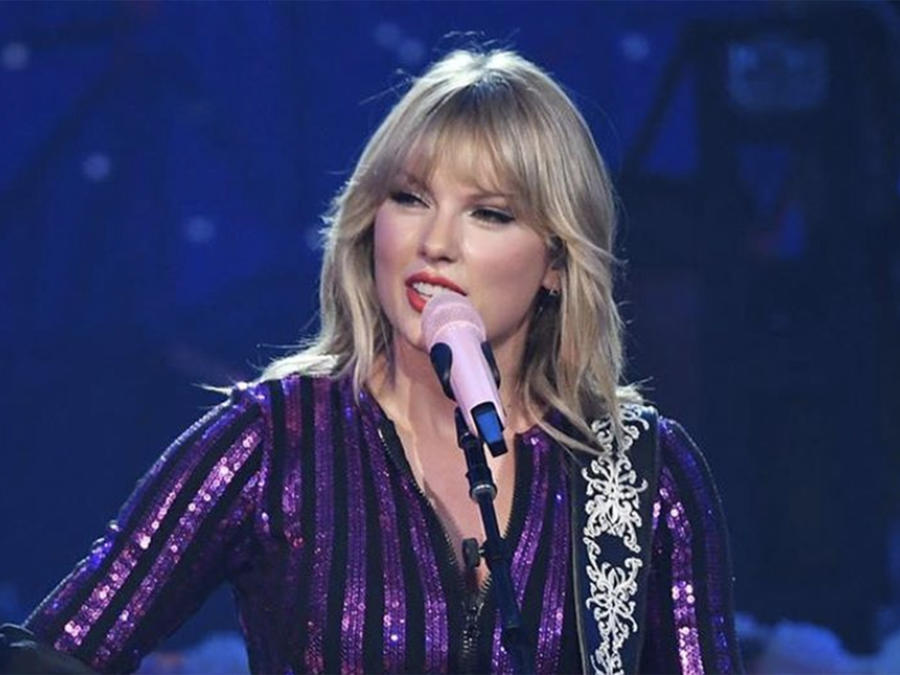 Taylor Swift Performs for the First Time in NYC Since Scooter Braun Feud