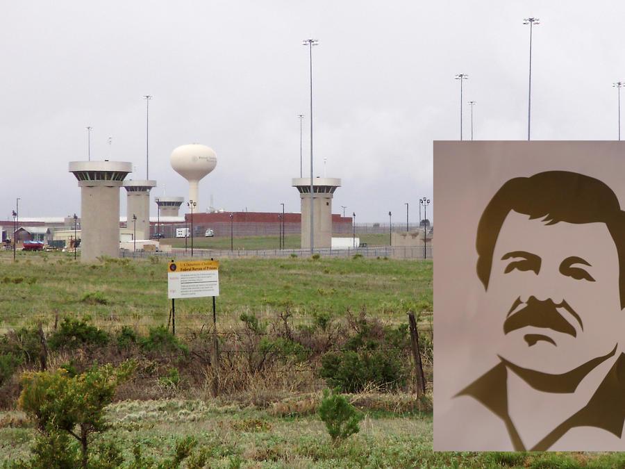 Imagen de archivo de la prisión de máxima seguridad de Florence. A la derecha, imagen de El Chapo utilizada para vender ropa.
