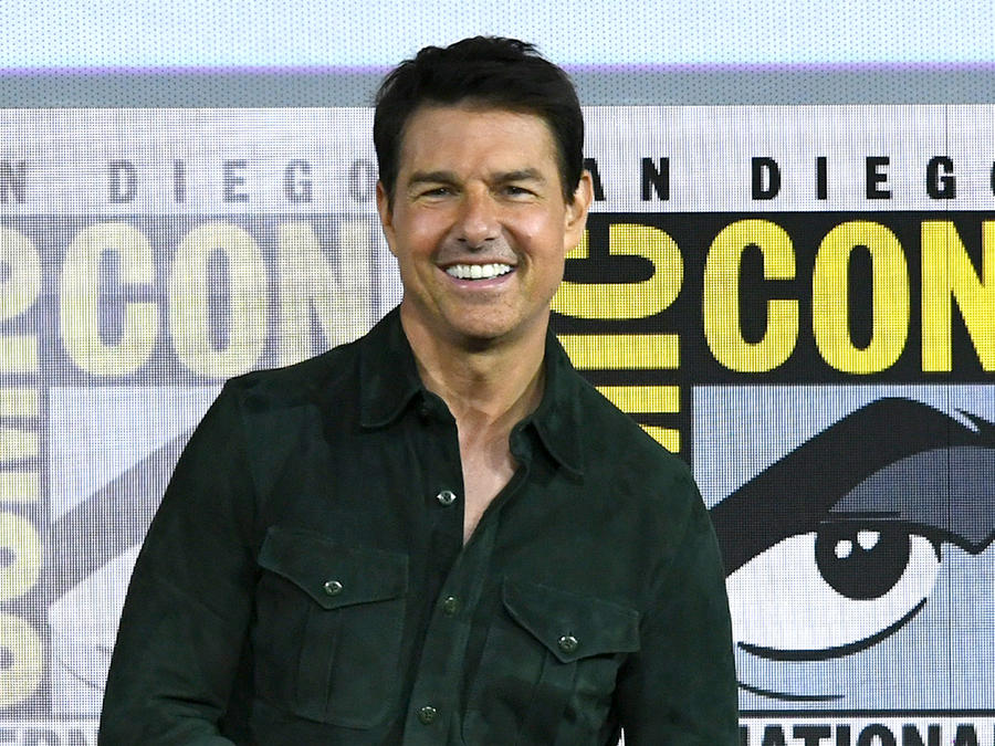 Tom Cruise Surprises Fans With 'Top Gun' Sequel Trailer at San Diego Comic Con