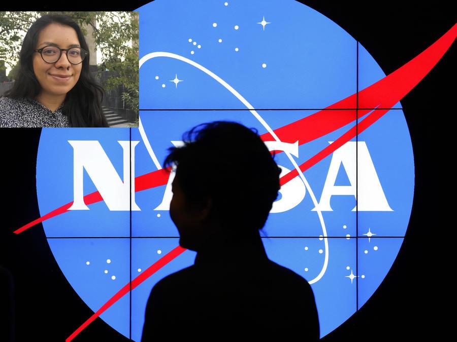Imagen de archivo del logo de la NASA. A la izquierda, Ilce Yanitsa Estrada en la Ciudad de México.