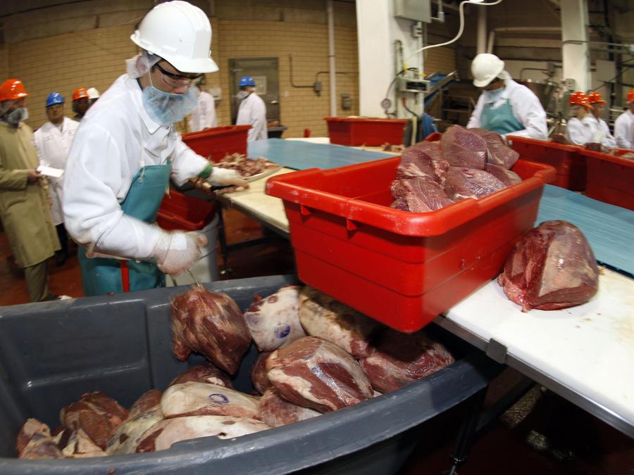 Imagen de archivo de una empacadora de carne en Colorado.