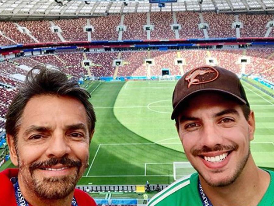 Eugenio Derbez  con su hijo Vadhir en Rusia