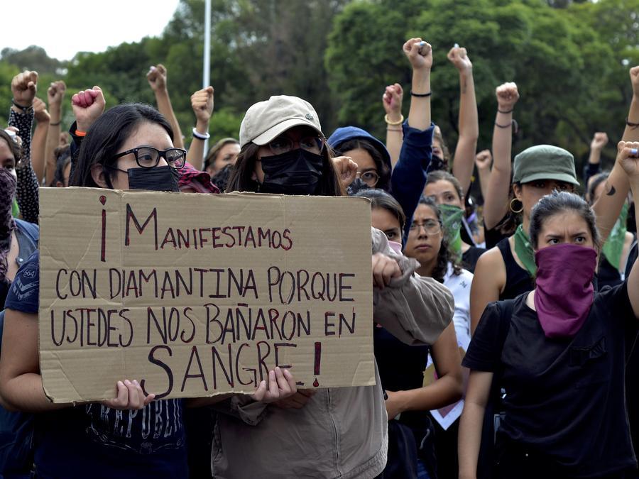 Cientos de mujeres se congregaron el pasado 16 de agosto en Puebla (México) frente a la sede la Fiscalía General del Estado para exigir a las autoridades alto a la violencia en contra de las mujeres del estado y de todo el país