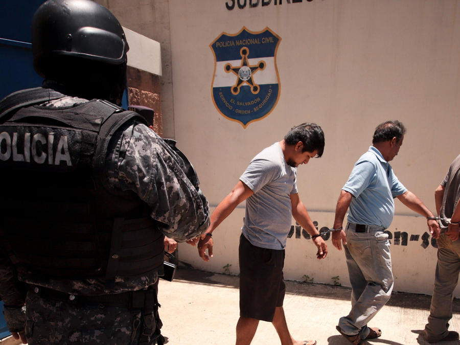 Detenidos en El Salvador por tráfico de migrantes en una imagen de archivo