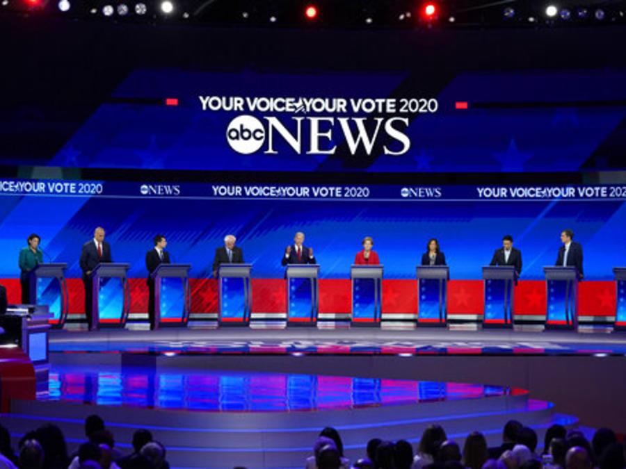 Una imagen del debate entre candidatos presidenciales demócratas de este jueves, celebrado en Houston.