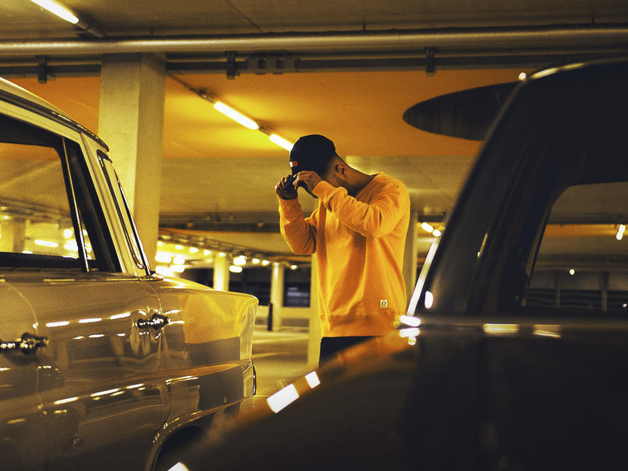 Auto en estacionamiento