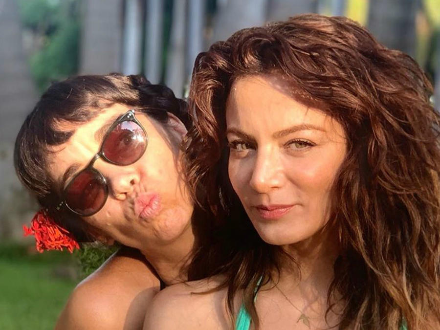 Silvia Navarro y su supuesta novia Kar Fenton