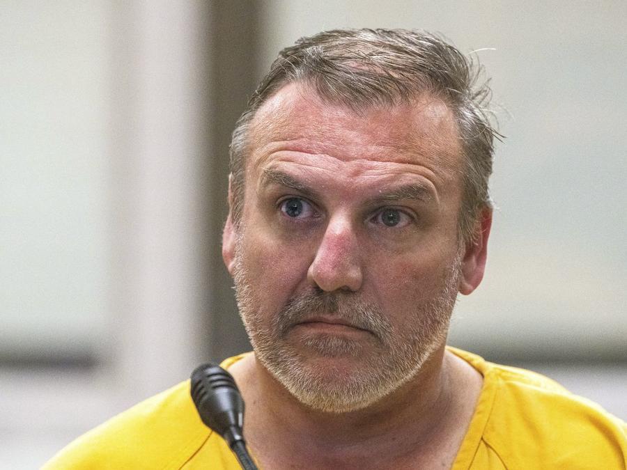Brian Steven Smith acusado de homicidio en primer grado en la sala de la cárcel de Anchorage el miércoles 9 de octubre de 2019 en Anchorage, Alaska.Loren Holmes / Anchorage Daily News / AP