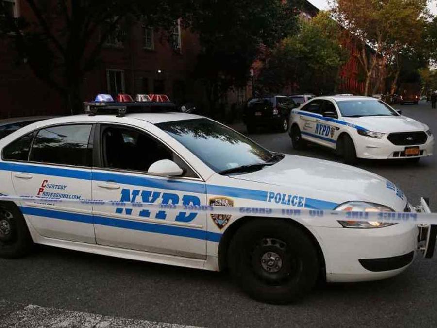 Carros de la policía de Nueva York en una imagen de archivo.