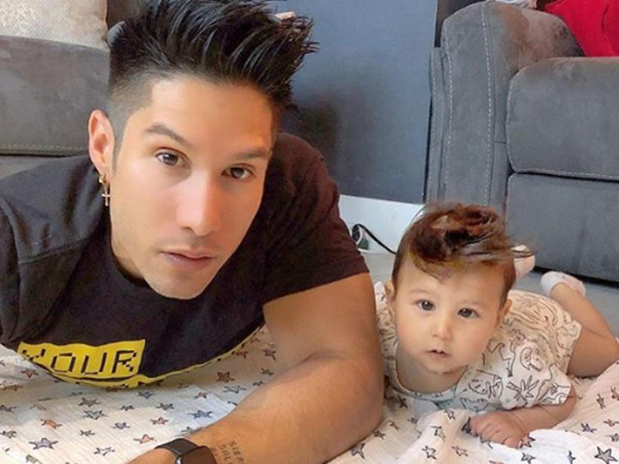 Chyno Miranda con su bebé Lucca