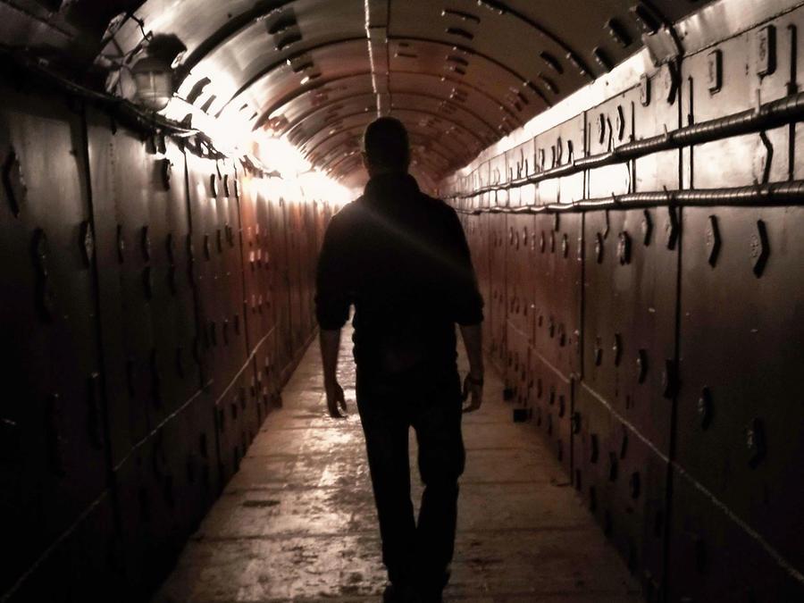 Hombre en bunker