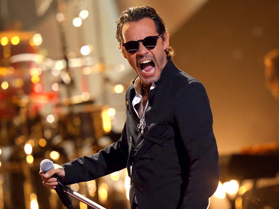 Marc Anthony en los Latin AMAs 2019