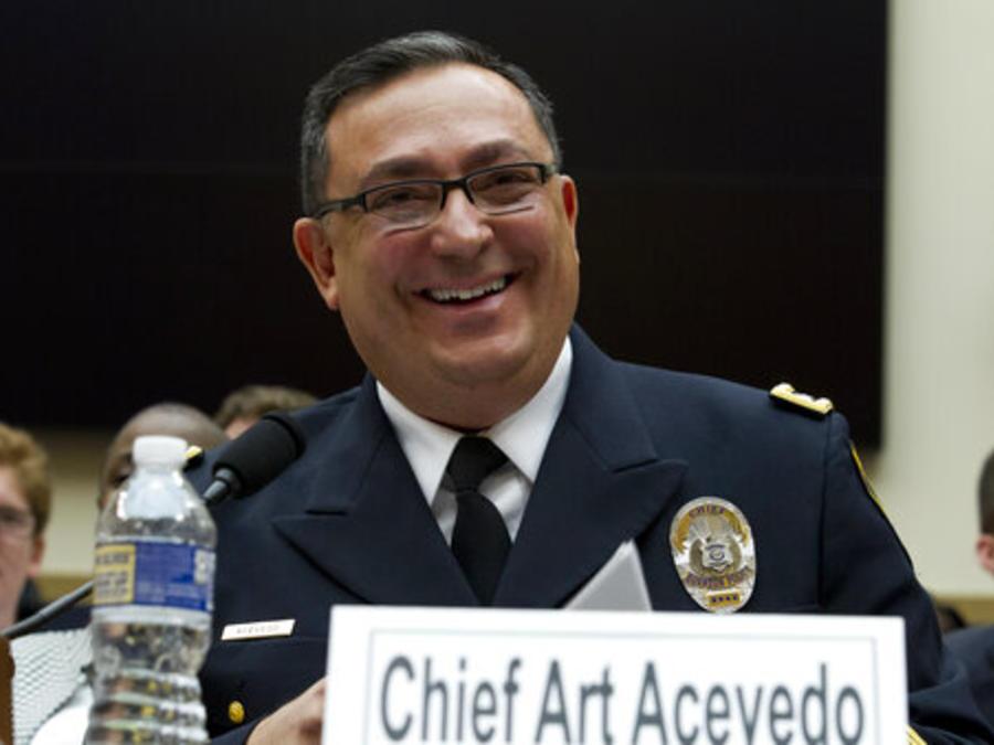 El jefe de la policía de Houston, Art Acevedo, un oficial particularmente comprometido en evitar que se pida el estatus migratorio de víctimas o testigos.