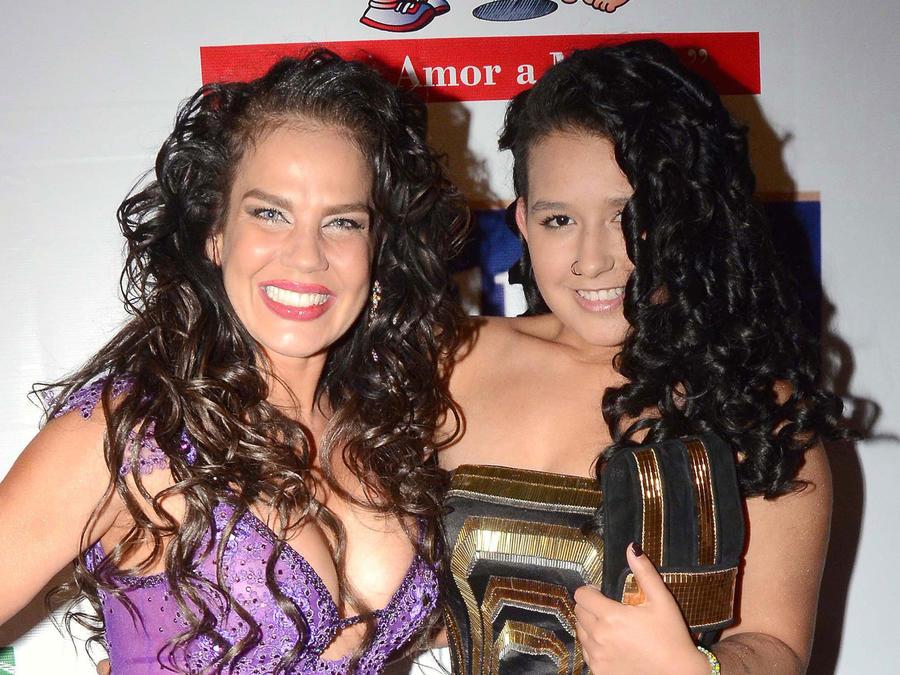 Niurka Marcos y su hija Romina en México, 2014