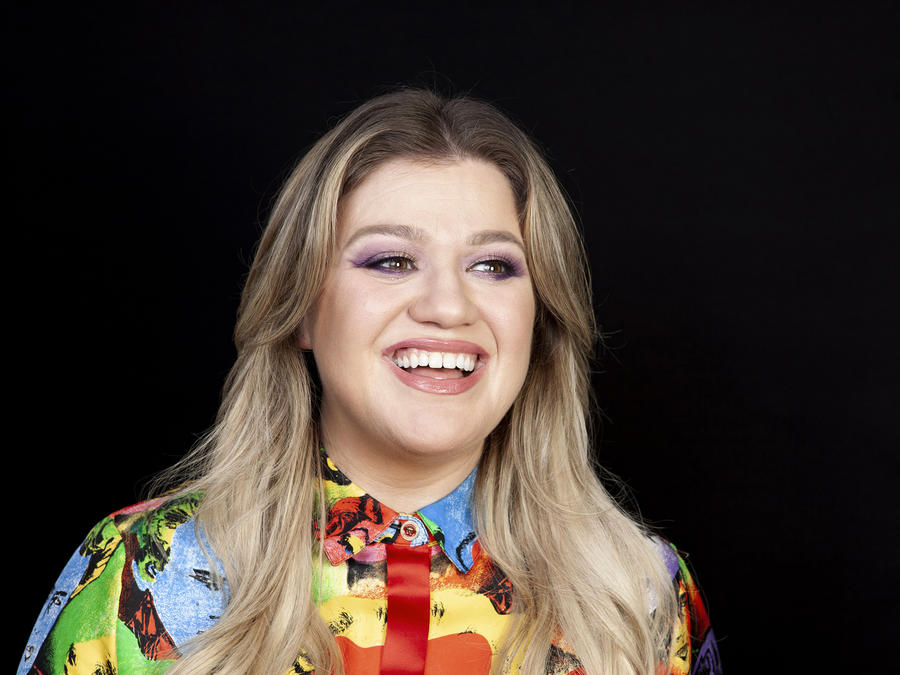 Kelly Clarkson Adds Cruise Godmother to Her Stacked Resume