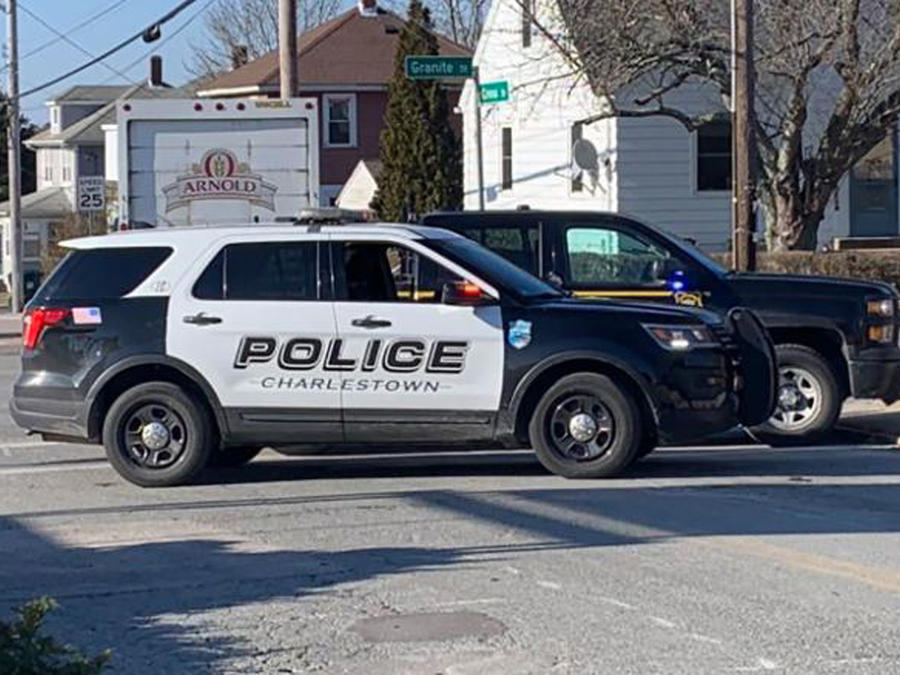 Policía de Rhode Island.