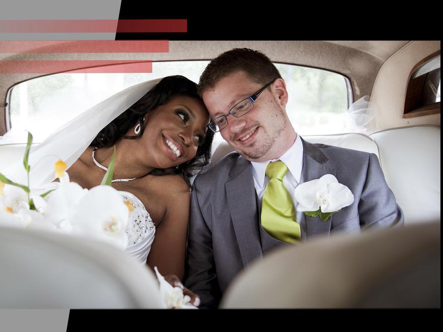 Novia cobra entrada a su boda