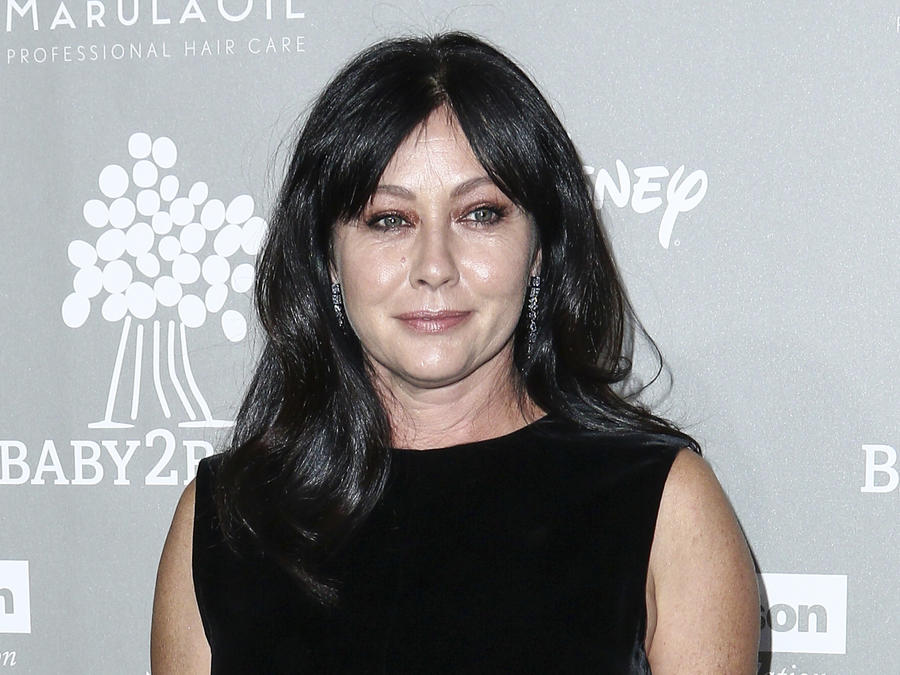 """Charmed"" Actress, Shannen Doherty says she is battling stage 4 breast cancer"