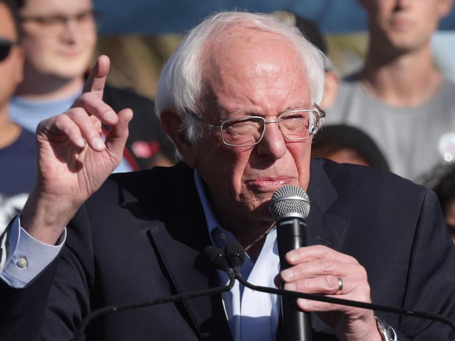 El senador Bernie Sanders recibió información de que los rusos intentan ayudar a su campaña de cara a las elecciones de noviembre, según reportes.