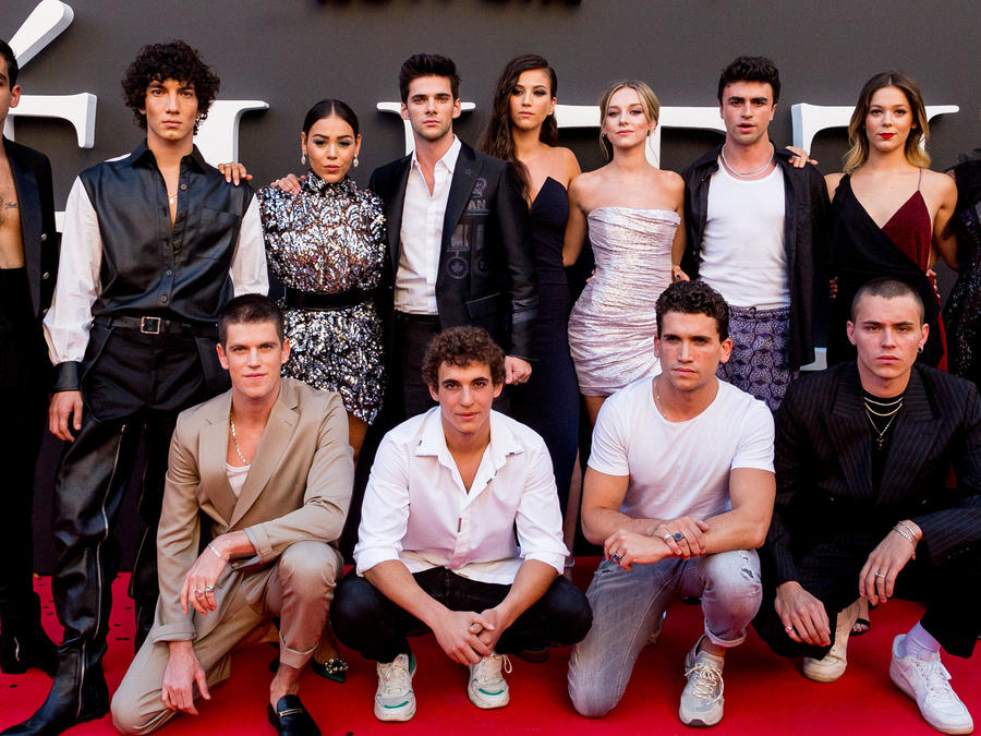 "Elenco de ""Elite"" red carpet en Madrid, 2019"