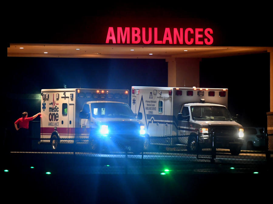 Dos ambulancias en Missouri: los viajes de emergencias en estos medios de transporte pueden suponer un gasto médico muy elevado.
