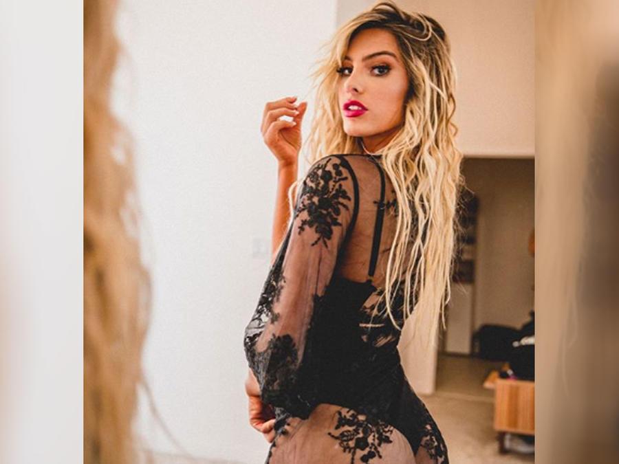 Lele Pons posando sexy