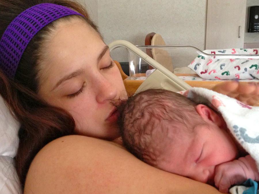 Mamá con recién nacido