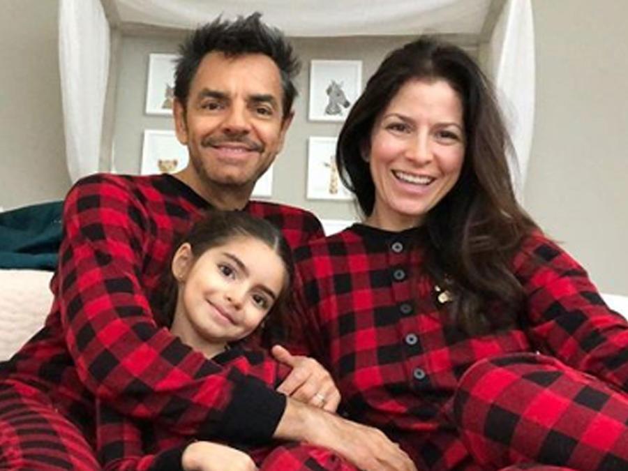 Alessandra Rosaldo y su familia en pijama