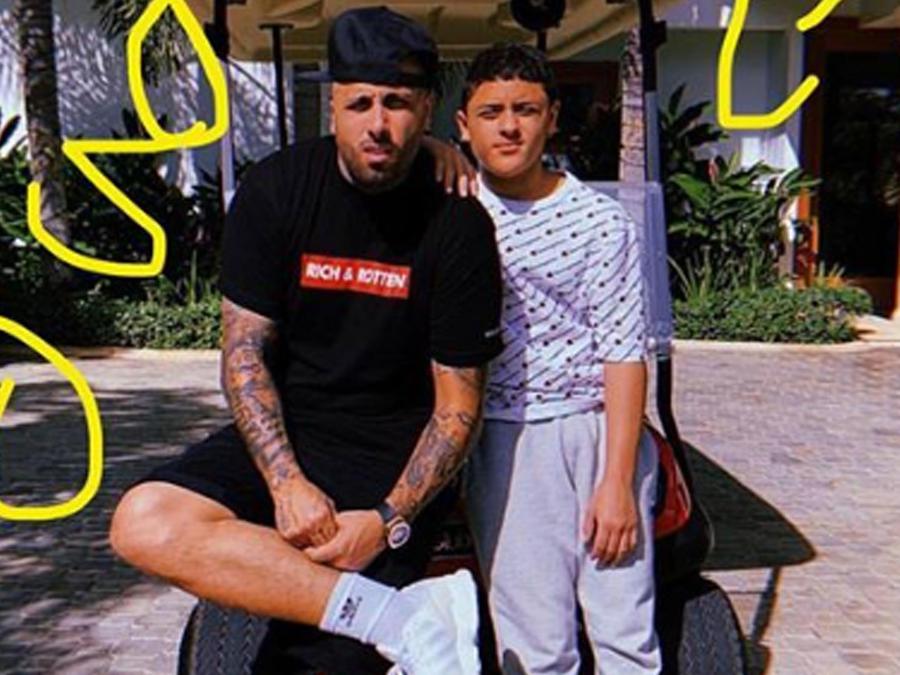 Nicky Jam con su hijo Joe
