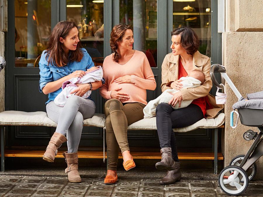 Mujeres con bebés