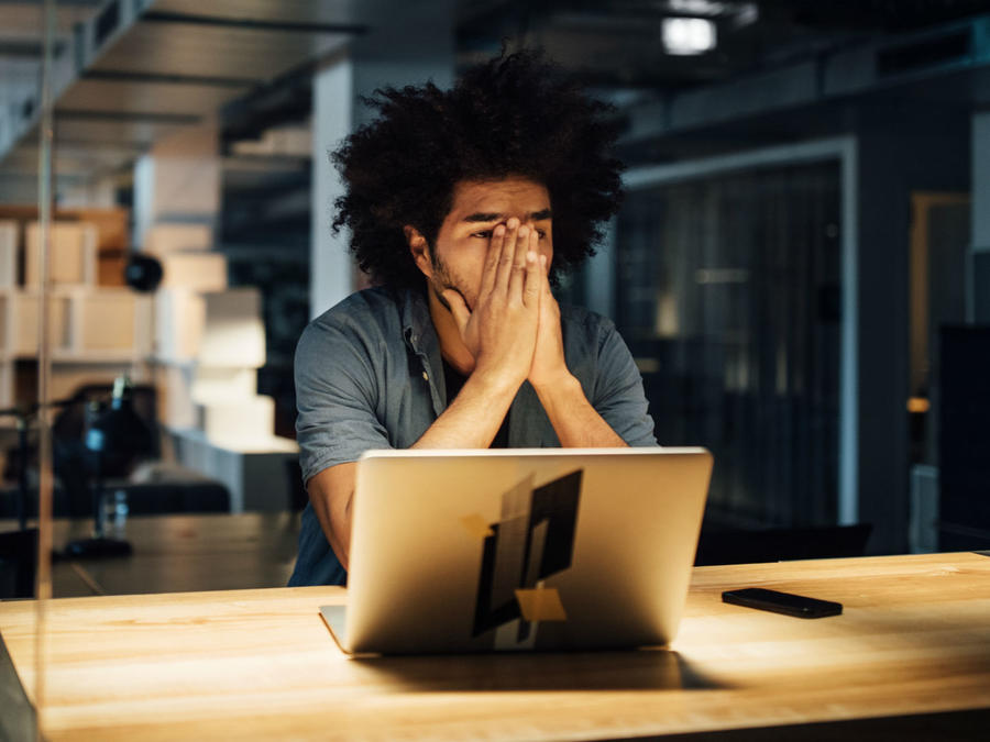 Hombre estresado