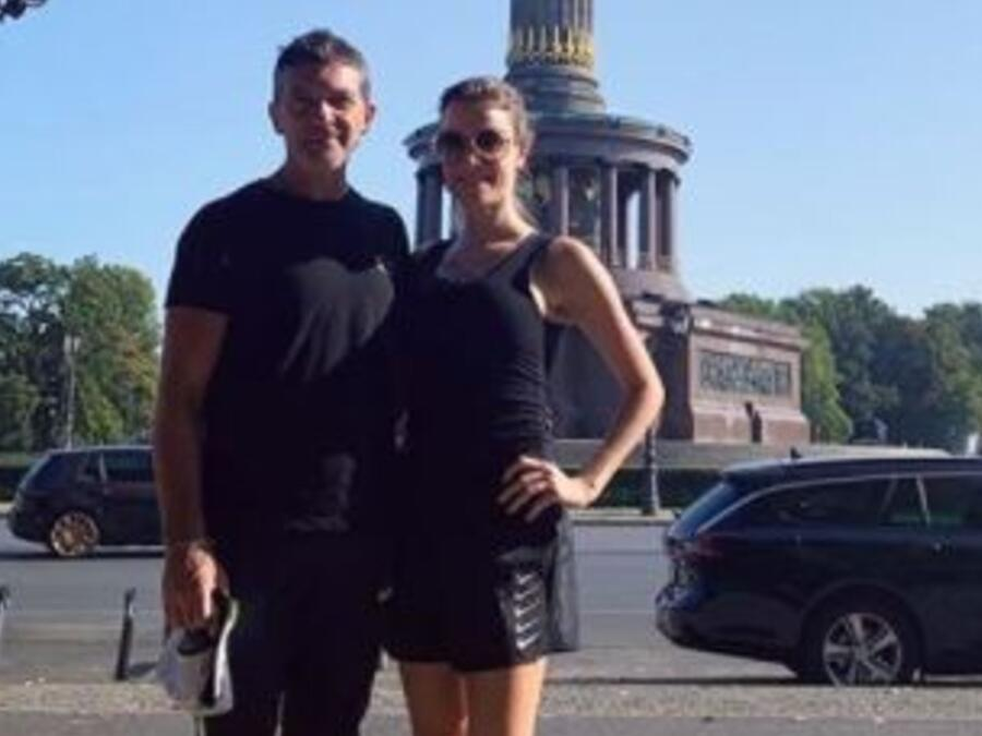 Antonio Banderas con Nicole Kimpel en Berlín