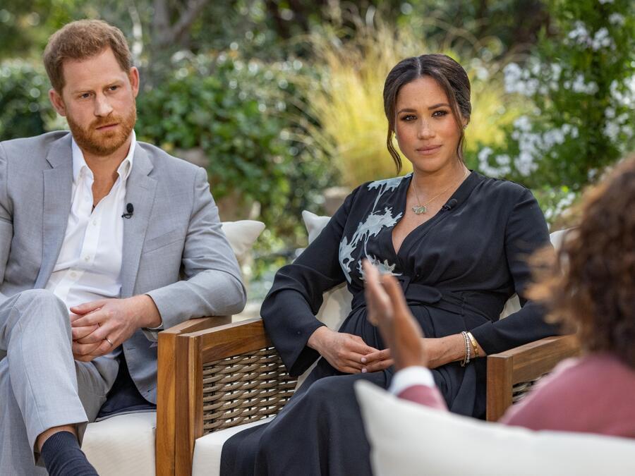 Harry y Meghan Markle en su entrevista con Oprah Winfrey