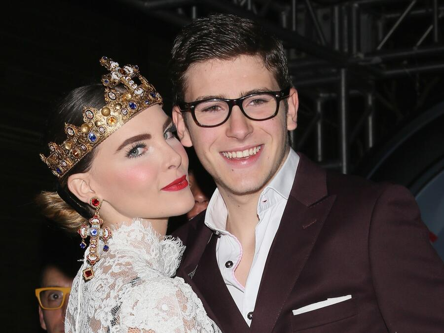 Belinda y su hermano Nacho Peregrín en el 3er aniversario de Estilo DF en 2013.