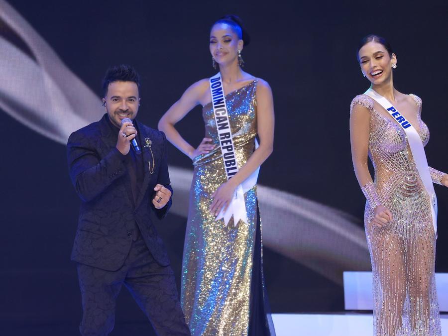 Luis Fonsi, presentación en Miss Universo 2021