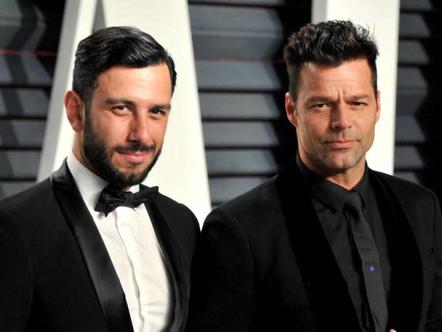 Jwan Yosef y Ricky Martin en la Vanity Fair Oscar Party 2017